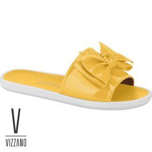 O Slide Vizzano possui um visual moderno e charmoso. Seu detalhe em laço é que chama atenção